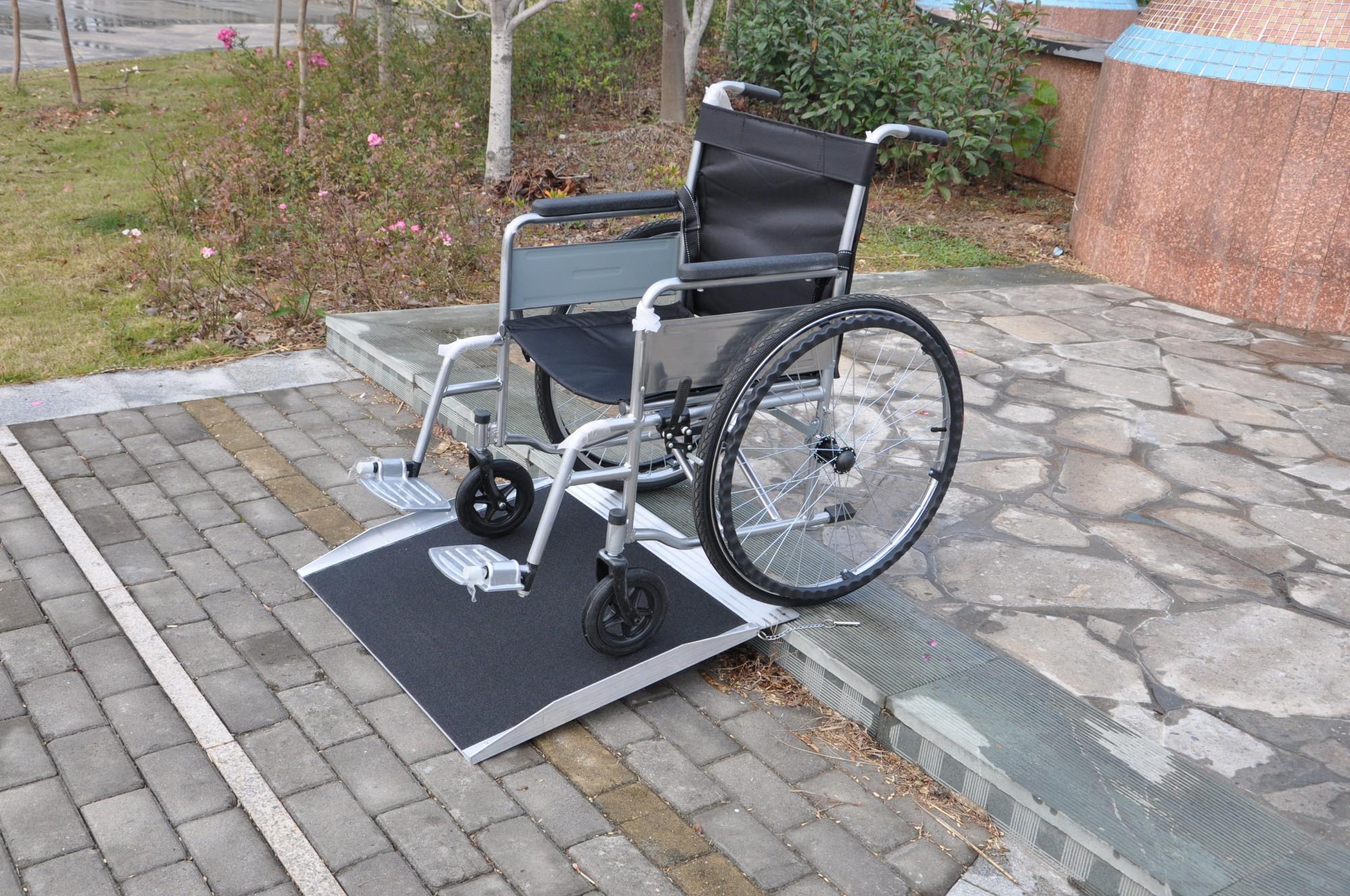 aluminium alurampe rollstuhl rampe auffahrrampe f r. Black Bedroom Furniture Sets. Home Design Ideas